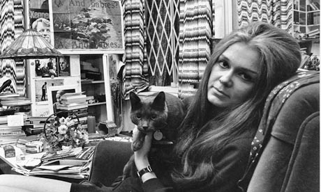 Gloria Steinem with her cat in 1970 | from The Guardian