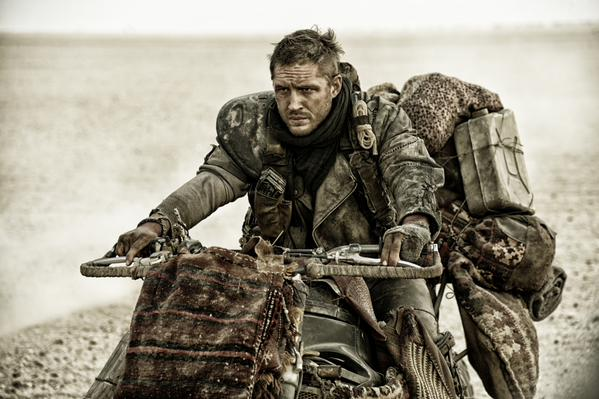 Pretty, gritty Tom Hardy | Photo @MadMaxMovieUK/Twitter