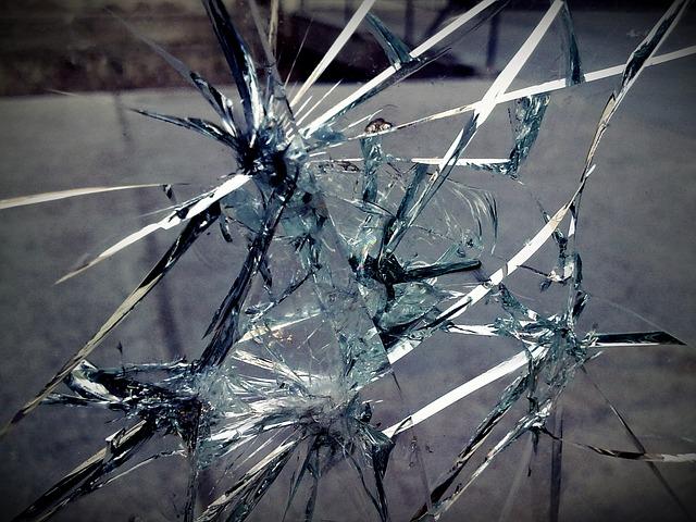 glass-63341_640