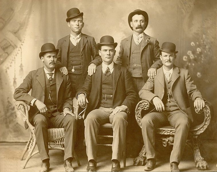 The actual outlaws, Sundance and Butch bottom left and right / Wikimedia commons