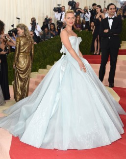 Claire Danes in Zac Posen, in a dress that lights up!